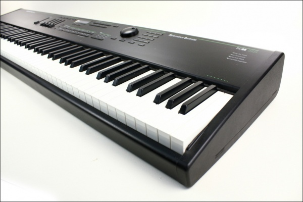 Kurzweil PC88 digital stage piano